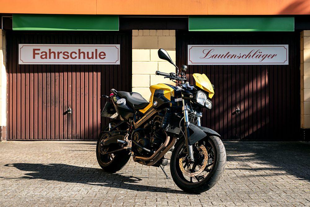 Fahrschule Lautenschläger: Gelbe BMW F800R