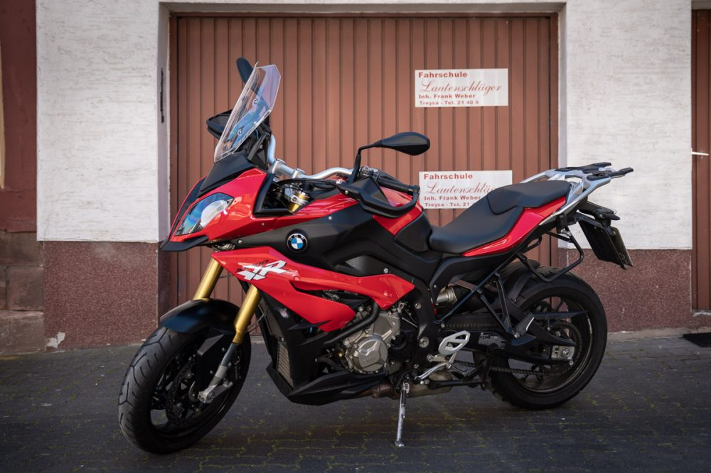 Fahrschule Lautenschläger: Rote BMW XR 1000
