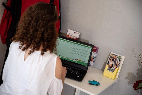 Fahrschule Lautenschläger Prüfungsvorbereitung an einem unserer PCs