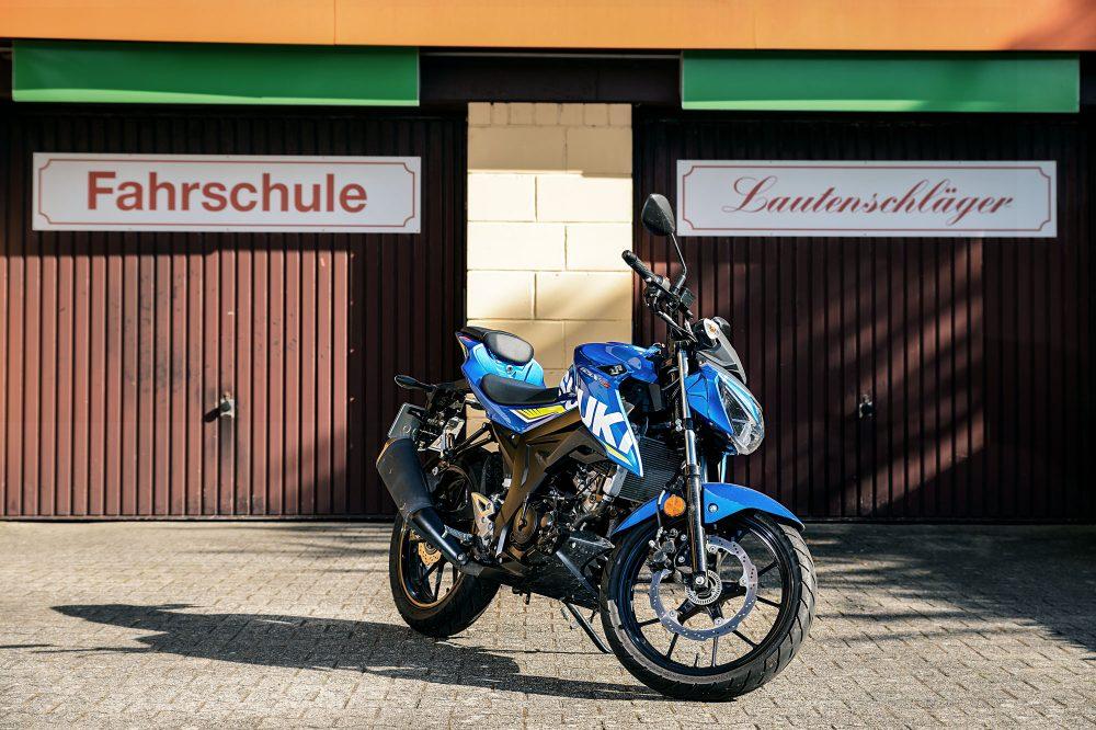 Fahrschule Lautenschläger: Blaue Suzuki GSX S125